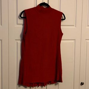 Red lightweight pleated sweater shell